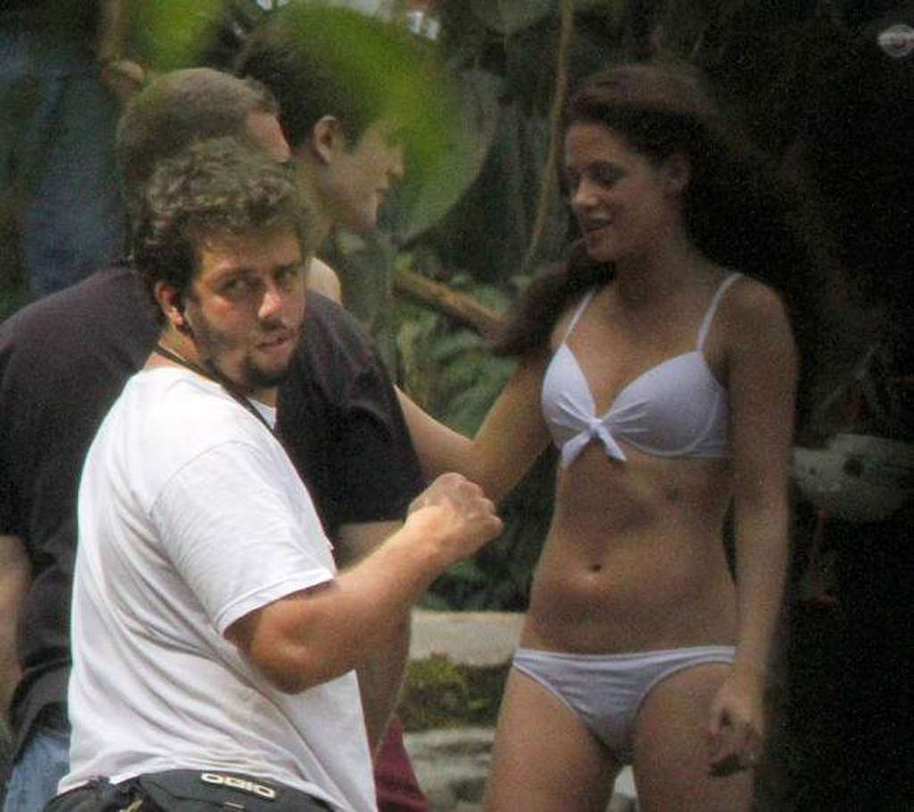 LEAKED: 10 Celebrity Photos that They Didnt Want To Go Public