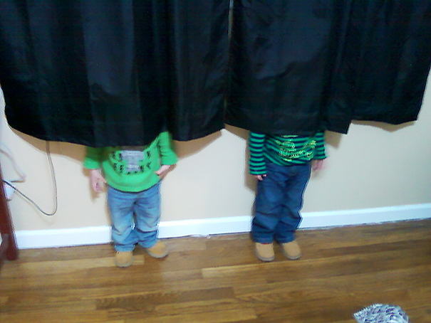 20 Adorable Fails by Kids Who Are Trying to Play Hide and