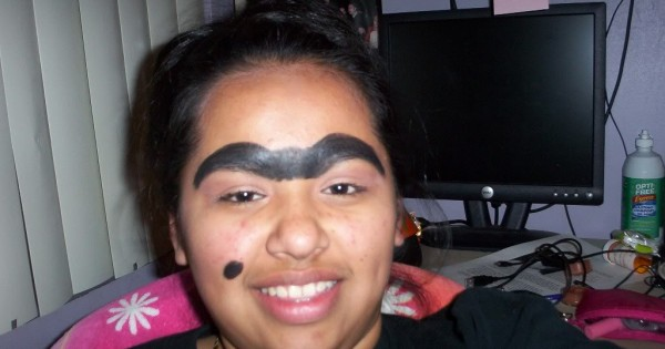 Celebrity messed up eyebrows chinese