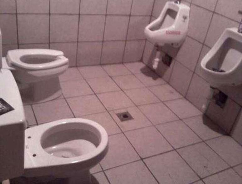 These 17 people had only one job and look what they have done 12 will make you think twice for Bad stuff happens in the bathroom