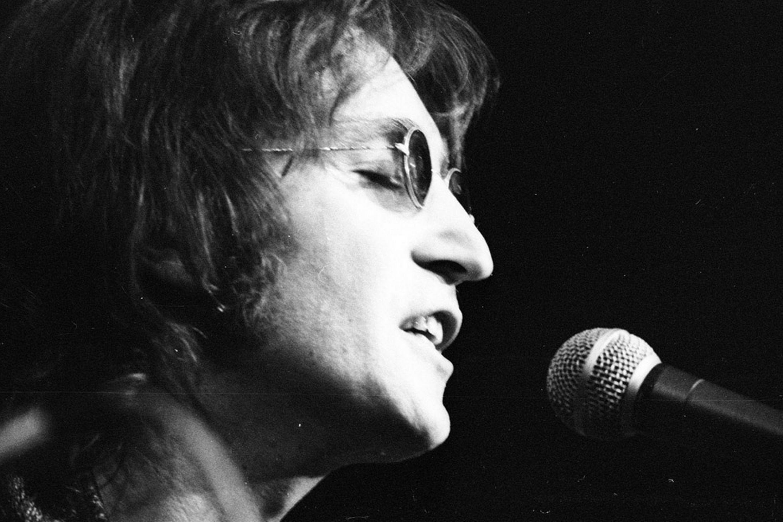John Lennon Birthday Amazing Facts About John Lennon