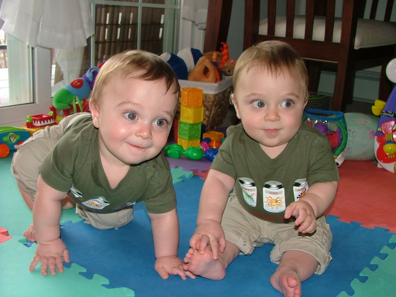 15 facts about twins that even twins didn t know for Mirror twins
