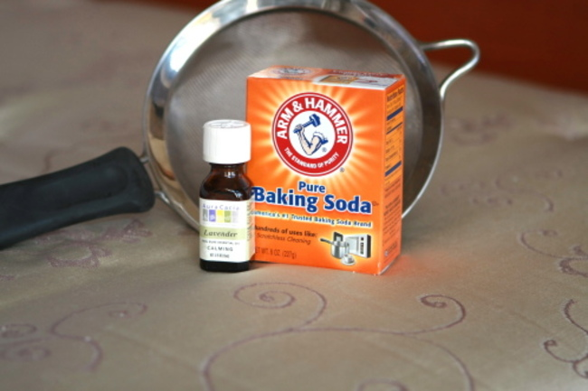 12. Baking soda + lavander makes your carpet smell fresh