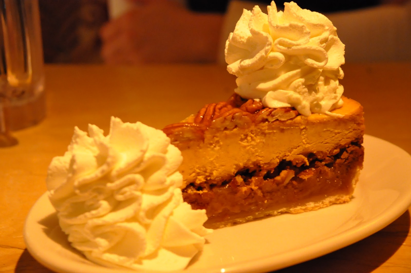 cheesecake factory s pumpkin cheesecake