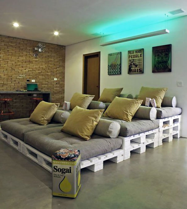 18. Pallets home cinema