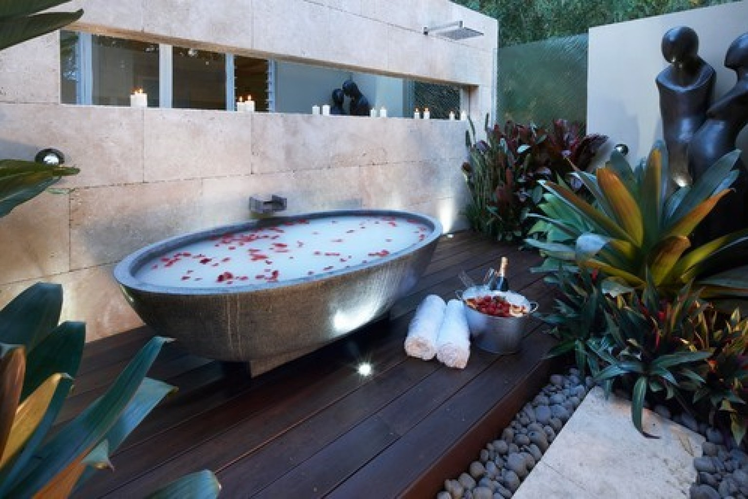 18 Bathtubs Where Relaxation is Guarantied. You Would Want to Jump ...