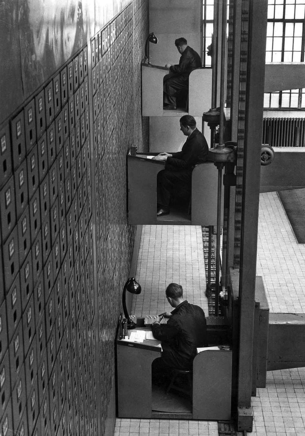 Elevator desks in Prague, 1937