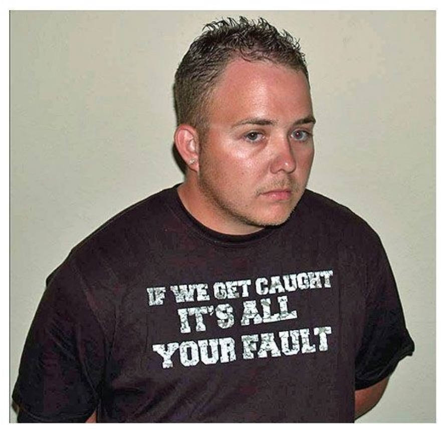 26-people-who-instantly-regretted-being-arrested-in-ironic-t-shirts21