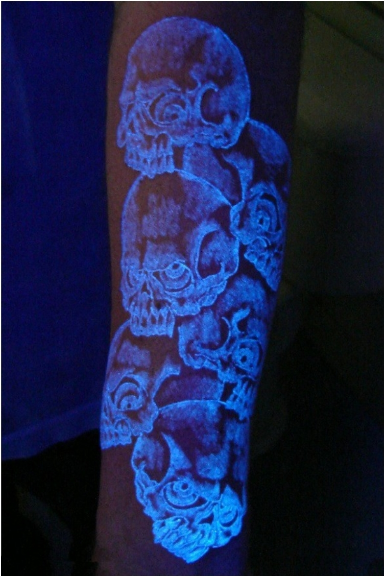 Visible Only With Black Light 39 Mysterious Glowing Tattoos