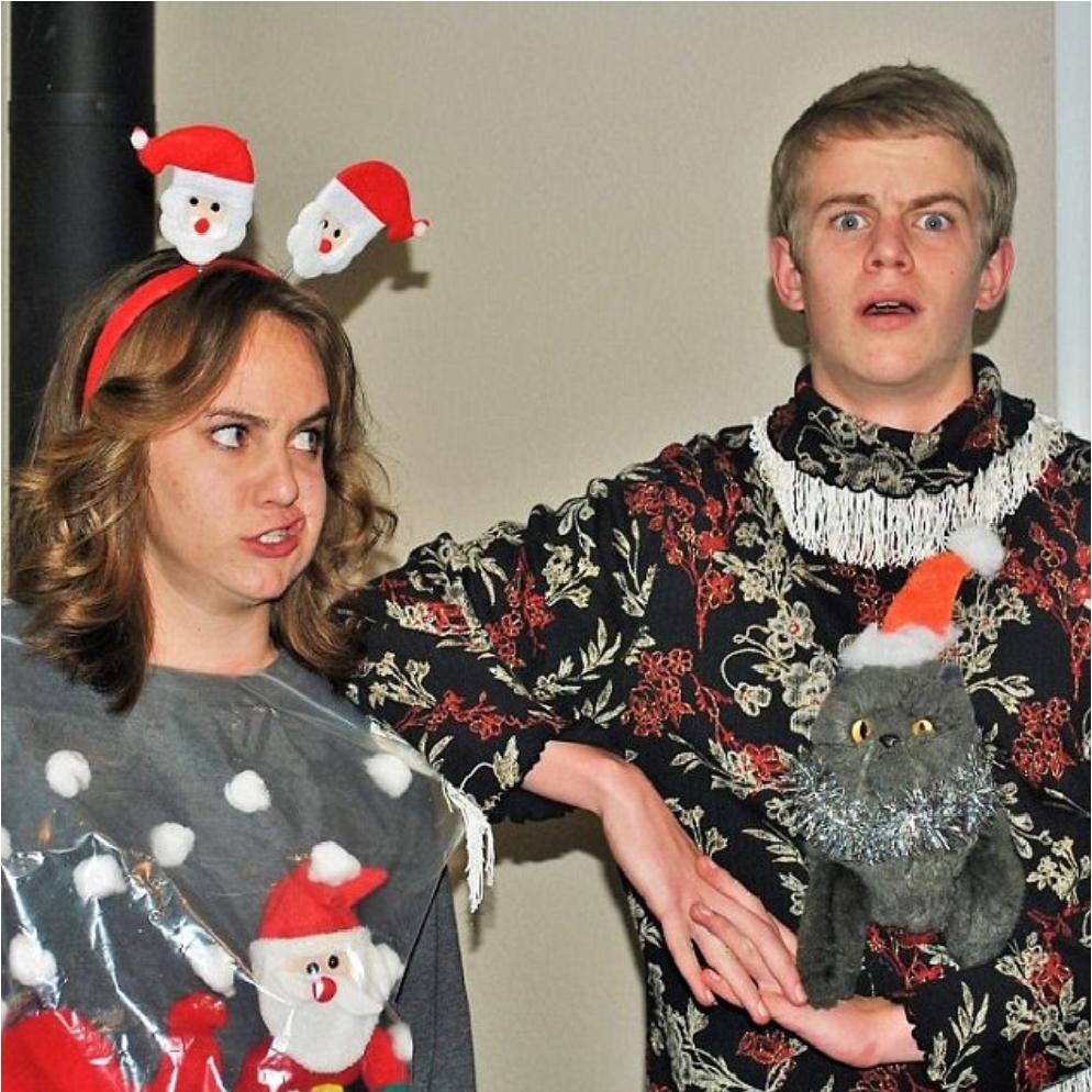 2f66ba8000000578-3363106-putting_in_the_effort_because_ugly_christmas_sweaters_are_so_pop-a-5_1450301902065