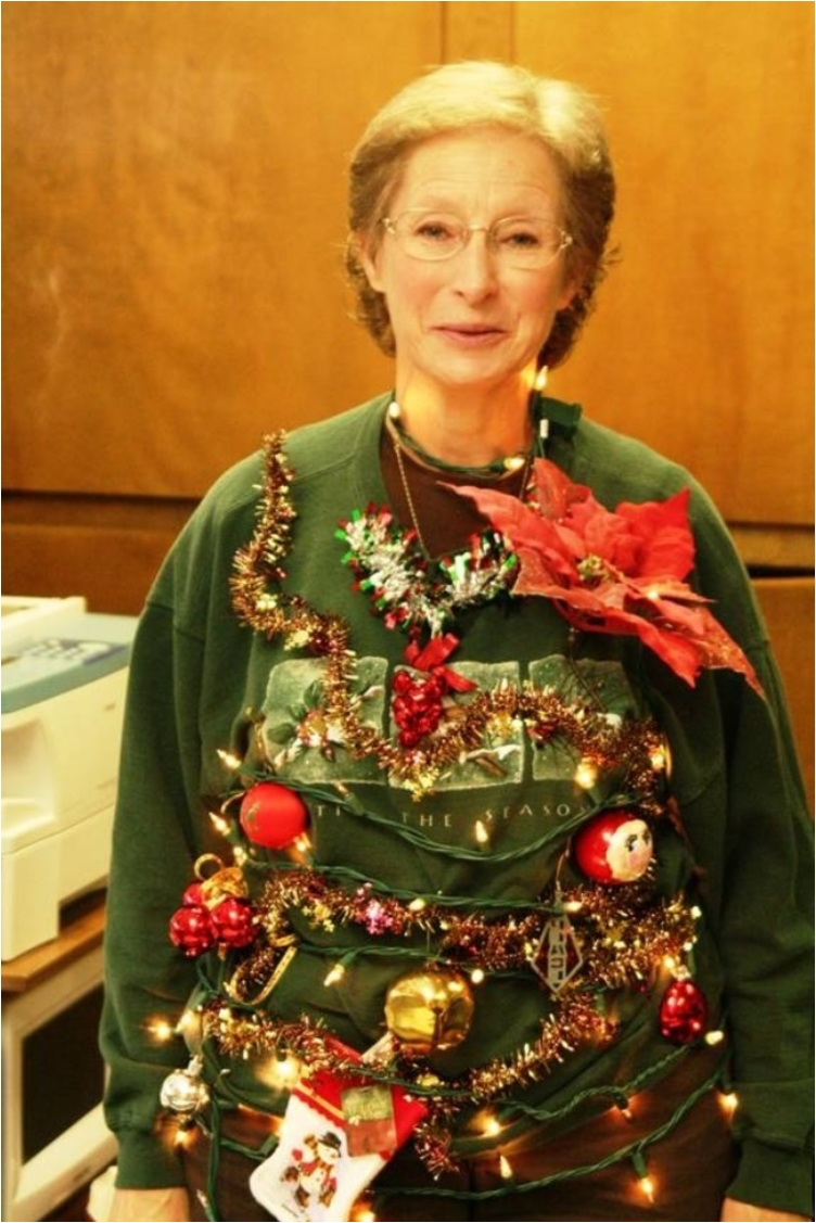 worst-christmas-jumpers-emgn7