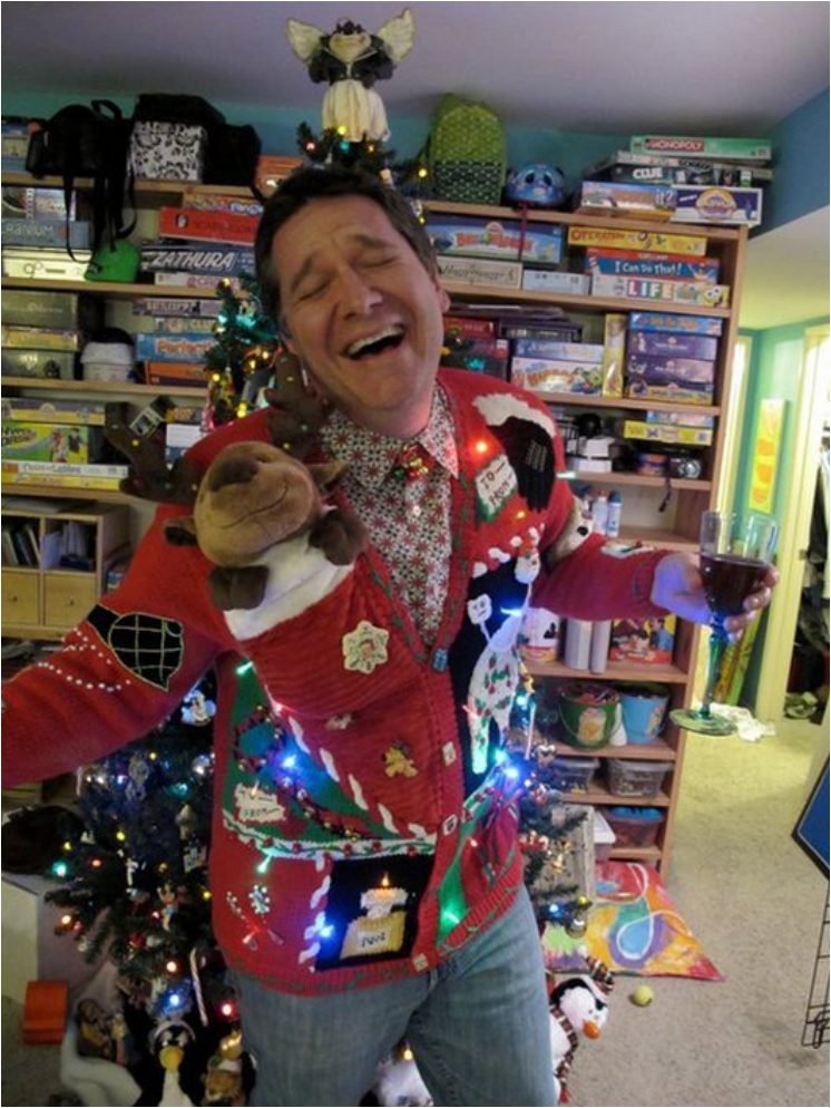 hilarious-awful-win-ugly-christmas-sweaters-funny-photos3
