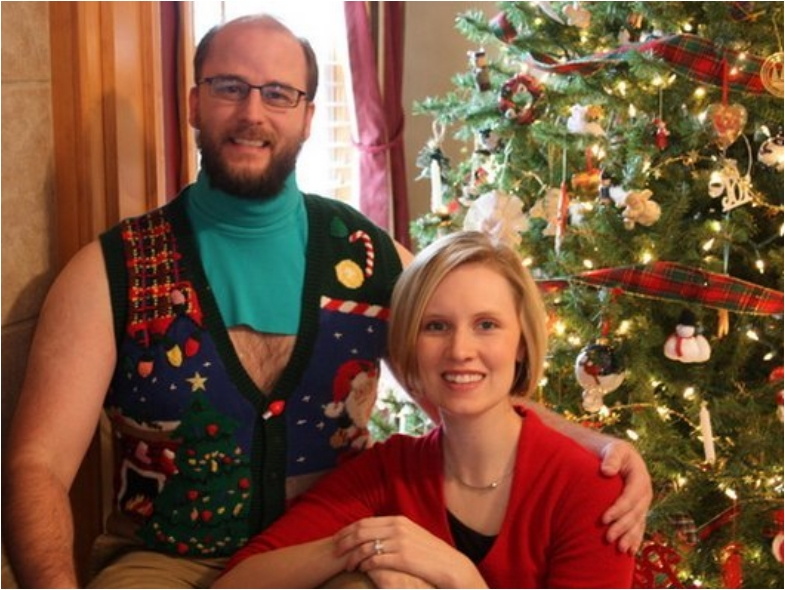 hilarious-awful-win-ugly-christmas-sweaters-funny-photos7