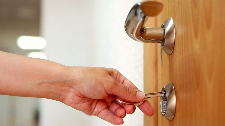 5 Different Types of Locksmith Services