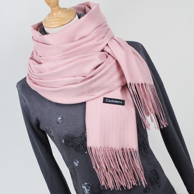 cecf2db74c682 Choosing the Best Cashmere Scarf for Yourself